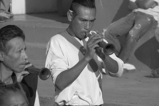 (La chirimía, instrumento colonial arraigado en Tepetlixpa. Foto: M.S.)