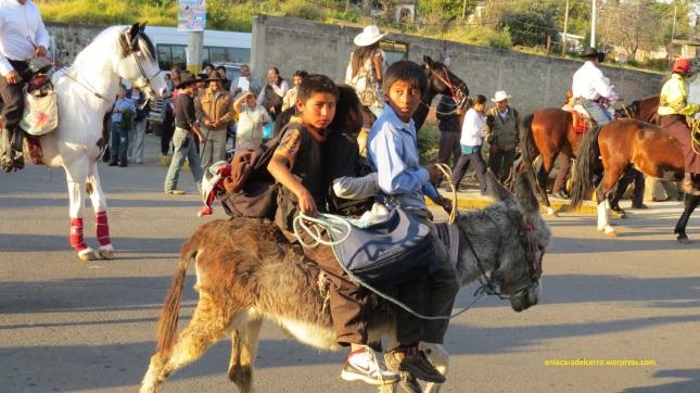(Niños participando en recorrido de El Vitor. Foto: M.S.)