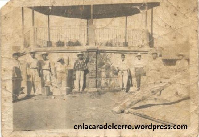 (Construcción de la plaza cívica. Circa 1934. Foto: Ollin Altépetl A.C.)